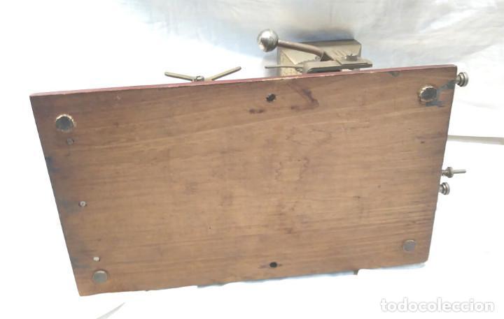 Coleccionismo: Victoria Maquina para liar Cigarros de Hnos Victorero Lastres Asturias 1er modelo base madera - Foto 5 - 150277522