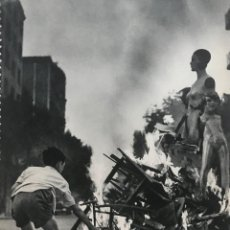 Coleccionismo: 1960 FOTOGRAFÍAS DE BARCELONA 16,5X22,3 CM. Lote 151971082