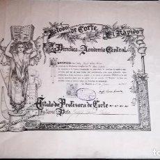 Coleccionismo: LITOGRAFÌA DE ANTIGUO TITULO DE - CORTE Y CONFECCIÒN - DE AÑO 1957 -TAMAÑO 55 X 46 CMS. Lote 153510090