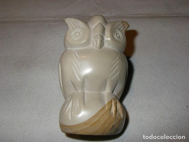 Coleccionismo: Preciosa figura de buho en piedra esteatita bicolor, 9 x 5,5 cm. - Foto 2 - 153895822
