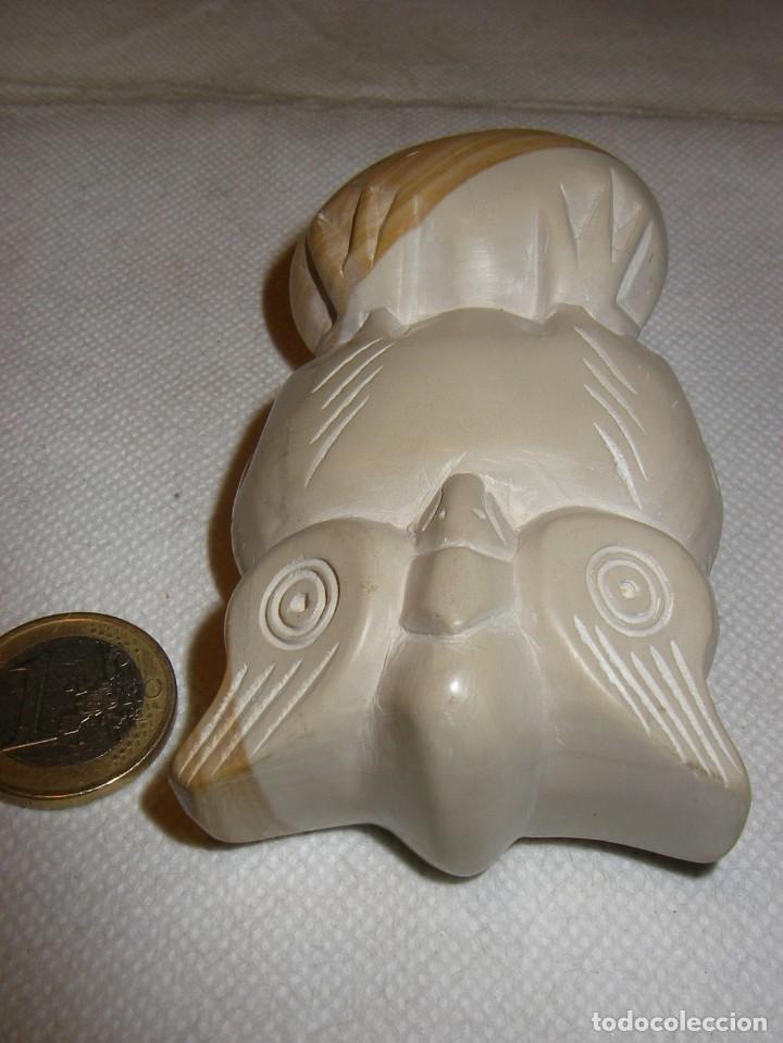 Coleccionismo: Preciosa figura de buho en piedra esteatita bicolor, 9 x 5,5 cm. - Foto 5 - 153895822