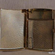 Coleccionismo: TABAQUERA PITILLERA DE METAL DORADO, CON ENCENDEDOR. Lote 155889842