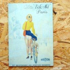 Coleccionismo: CARTEL PUBLICITARIO DE MADERA CON PUBLICIDAD DE CULOTTE VELO-SKI PARIS. . Lote 156988902