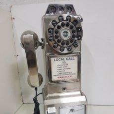 Coleccionismo: PRECIOSO Y GRAN TELÉFONO DE PARED TIPO CABINA MONEDAS CON CAJETÍN FABRICADO EN PLÁSTICO 48X16X13CMS. Lote 158396409
