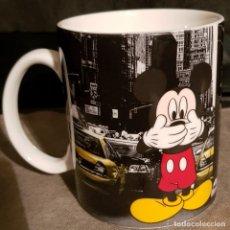 Coleccionismo: TAZA DE MICKEY MOUSE EN NUEVA YORK. DE DISNEY. NUEVA.. Lote 235875125