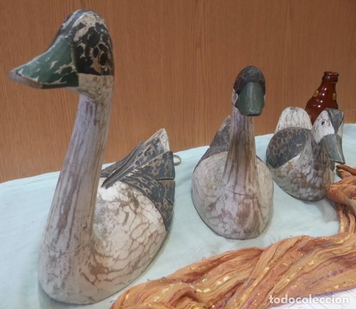 Coleccionismo: Patos señuelo. En madera policromada. Antiguos. Años 60-70 - Foto 3 - 159537222