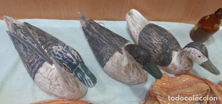 Coleccionismo: Patos señuelo. En madera policromada. Antiguos. Años 60-70 - Foto 8 - 159537222