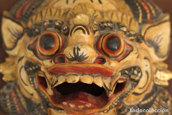 Coleccionismo: Mascara tallada de la India en madera policromada Diosa Tailandesa - Foto 3 - 153550597