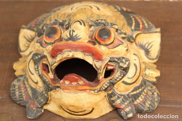 Coleccionismo: Mascara tallada de la India en madera policromada Diosa Tailandesa - Foto 4 - 153550597