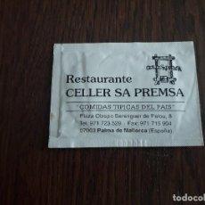 Coleccionismo: TOALLITA REFRESCANTE DE PUBLICIDAD, RESTAURANTE CELLER SA PREMSA, PALMA DE MALLORCA.. Lote 160415990