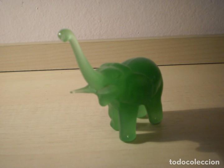 Coleccionismo: Elefante cristal color verde jade - Foto 3 - 160711542