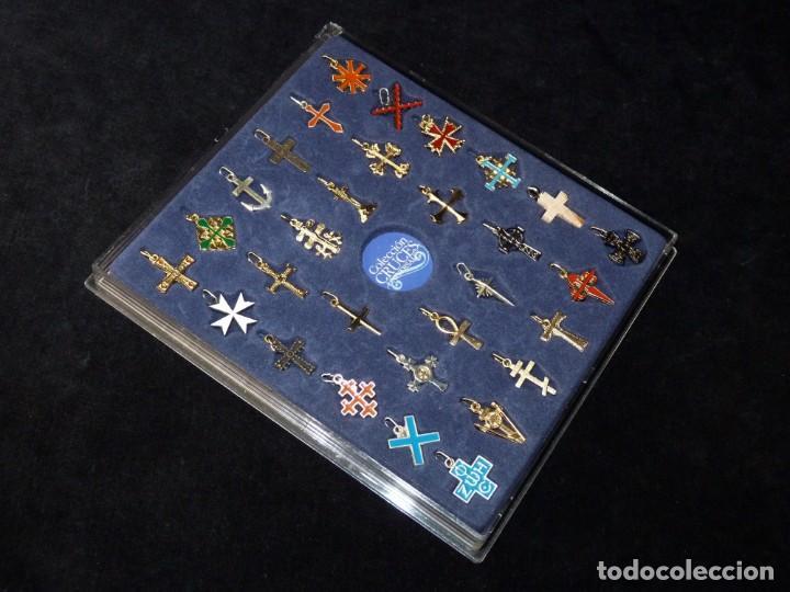 Coleccionismo: COLECCIÓN 30 CRUCES UNIVERSALES BAÑADAS EN ORO Y PLATA. LAS PROVINCIAS, 2003. COMPLETA CON ESTUCHE - Foto 5 - 161327902
