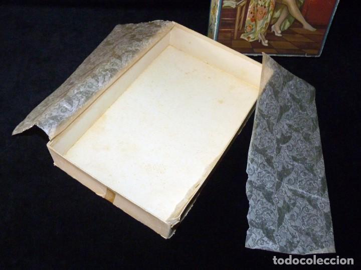 Coleccionismo: ANTIGUA Y BONITA CAJA DE MADIAS. CARTÓN LITOGRAFIADO. FALLERAS VALENCIA. 26,5x17x4,5 cm. AÑOS 20-30 - Foto 6 - 161330766