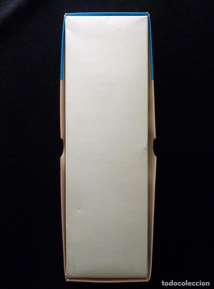 Coleccionismo: ANTIGUA CAJA DE FAJA CORSETERÍA MARCA LOVABLE. CARTÓN LITOGRAFIADO. 12,5x10,5x3cm. AÑOS 70 - Foto 5 - 161331118