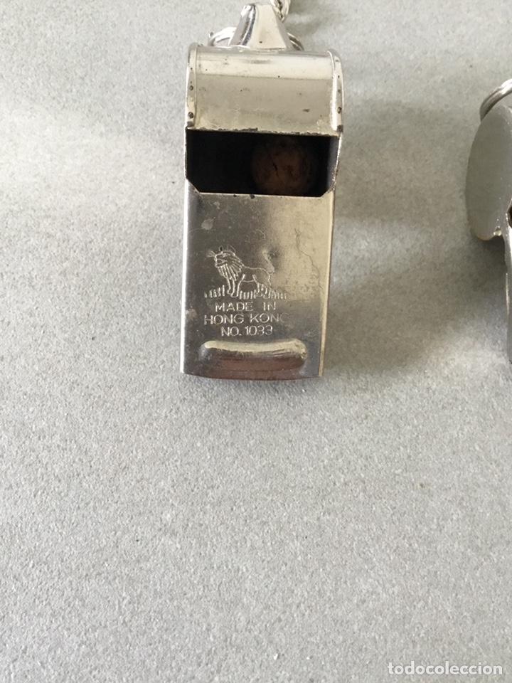 Coleccionismo: Dos Silbatos metal Alemania y Hong Kong - Foto 5 - 150674344