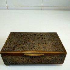 Coleccionismo: ANTIGUA CAJA PARA TABACO. Lote 161481226