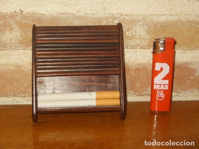 PITILLERA CURIOSA DE MADERA. (Coleccionismo - Objetos para Fumar - Otros)