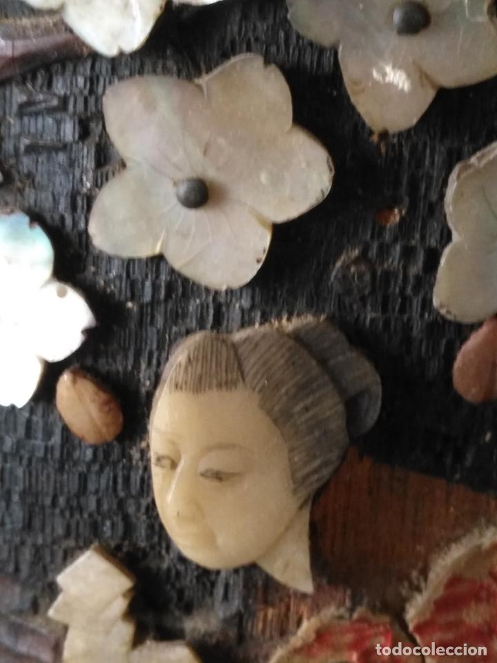 Coleccionismo: pieza de museo original purera oriental tallada en madera y decorada con nacar madreperla leer - Foto 4 - 162571474