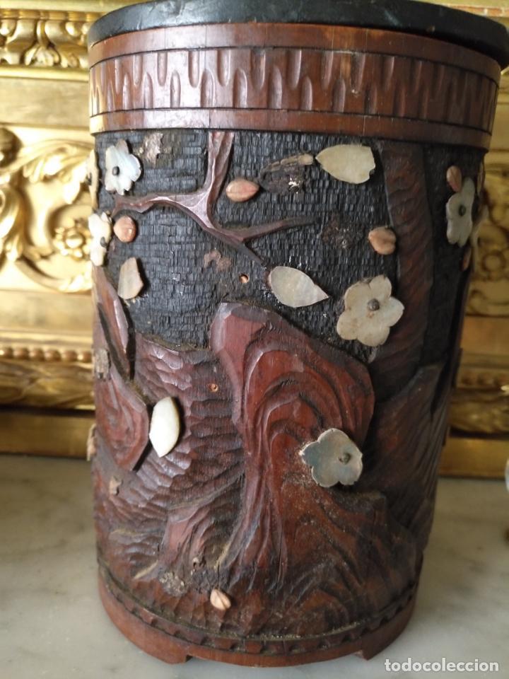 Coleccionismo: pieza de museo original purera oriental tallada en madera y decorada con nacar madreperla leer - Foto 10 - 162571474