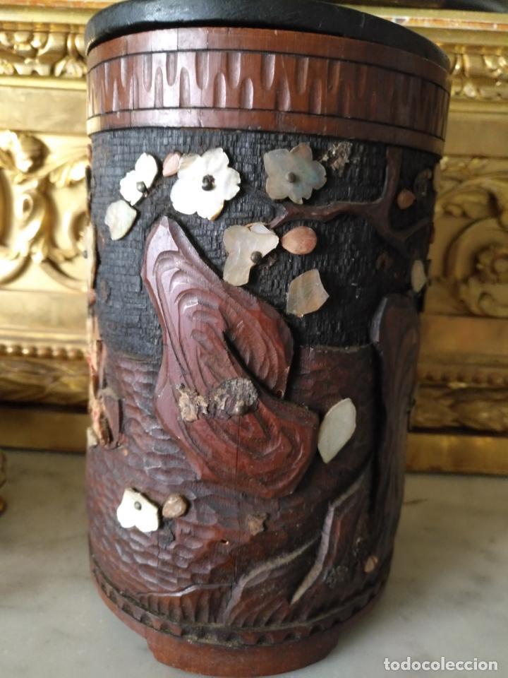 Coleccionismo: pieza de museo original purera oriental tallada en madera y decorada con nacar madreperla leer - Foto 12 - 162571474
