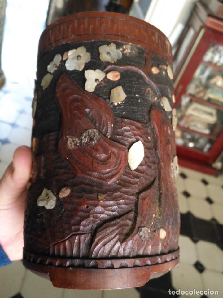 Coleccionismo: pieza de museo original purera oriental tallada en madera y decorada con nacar madreperla leer - Foto 20 - 162571474