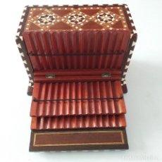 Coleccionismo: CIGARRERA . TARACEA DE GRANADA . PRINCIPIOS XX.. Lote 162765258