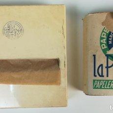 Coleccionismo: FERROCARRIL. DISPENSADOR DE PAPEL HIGIÉNICO Y RECAMBIO. RENFE.1970. ESPAÑA. Lote 165329502