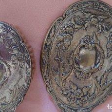 Coleccionismo: ANTIGUO JUEGO DE TOCADOR EN METAL. Lote 166001854