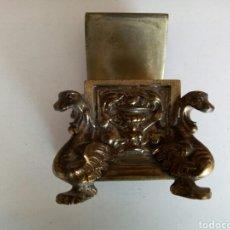 Coleccionismo: ANTIGUOS TINTEROS DE BRONCE. Lote 166696429