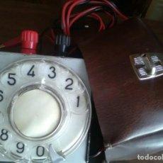 Coleccionismo: TELÉFONO OPERARIO ORIGINAL AÑOS 60 CO SU FUNDA DE LA ÉPOCA PIEZA BUSCADA POR SU ESCASEZ. Lote 166994516