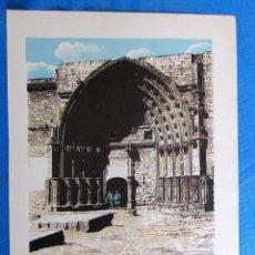 Coleccionismo: LÁMINA CON LA IMAGEN DE LA PUERTA DE LOS APÓSTOLES, LÉRIDA. DE LAS MARAVILLAS DE ESPAÑA. 1910'S.. Lote 169574924
