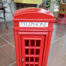 Coleccionismo: CABINA DE TELÉFONO TIPO LONDRES CON TELÉFONO. Lote 171405234