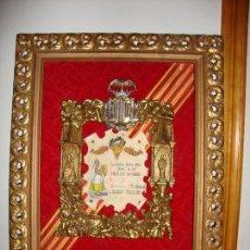 Coleccionismo: CUADRO CON TITULO DE FALLERA MAYOR MADERA MARCO EXTERIOR BRONCE MARCO INTERIOR ARTESANIA CIVERA 1964. Lote 172107648