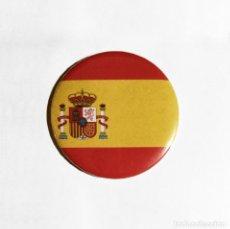Coleccionismo: BANDERA ESPAÑA - IMÁN NEVERA 59MM. Lote 194645868
