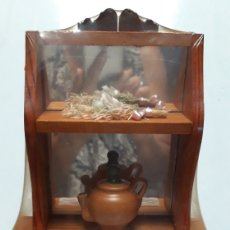 Coleccionismo: MUEBLE DECORACION EN MADERA 36 X 19 X 7 CM A ESTRENAR. Lote 173930617