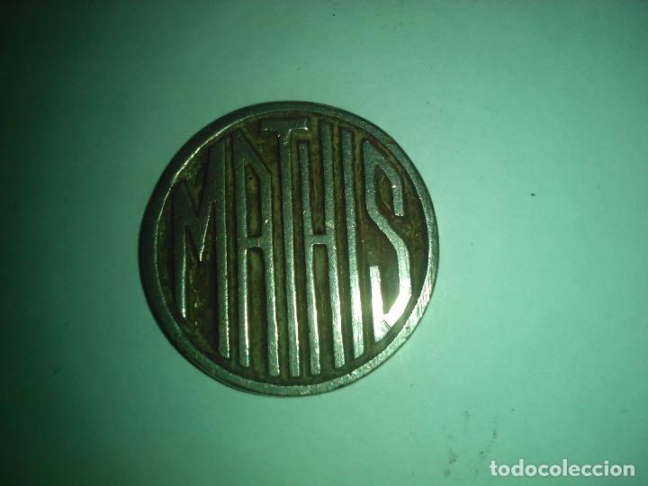 PEQUEÑO EMBLEMA DEL MATHIS -- 2,5 CM (Coleccionismo - Varios)