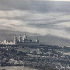 Coleccionismo: MONASTERIO DE EL ESCORIAL MADRID VISTA ANTIGUA LAMINA HUECOGRABADO AÑOS 40. Lote 175051785