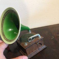 Coleccionismo: GRAMOPHONE REALIZADO POR MANUEL OLIVE EDISON BELL. Lote 176561617