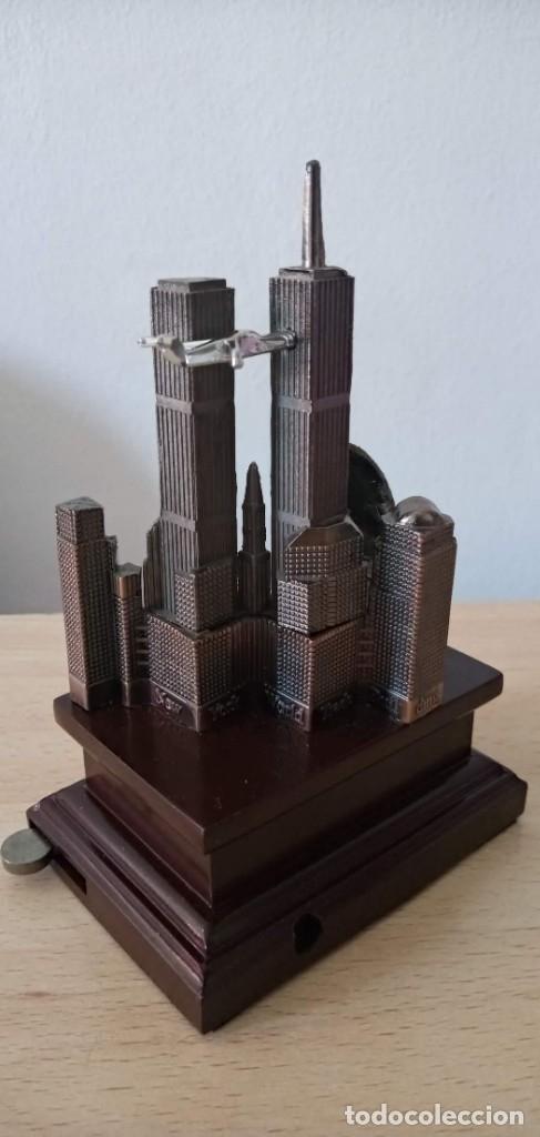 Coleccionismo: Miniatura souvenir Torres Gemelas World Trade Center Bin Laden - Foto 3 - 177282054