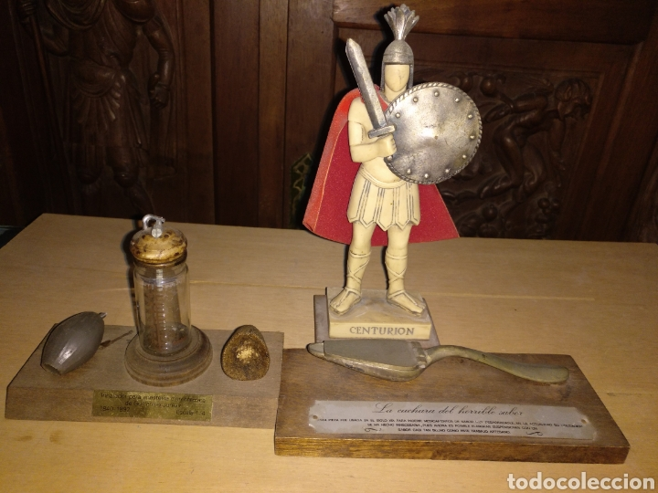 LOTE 3 PISAPAPELES LA CUCHARA DEL HORRIBLE SABOR, CENTURIÓN E INHALADOR PARA ANESTESIA CLOROFÓRMICA (Coleccionismo - Varios)