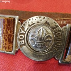 Coleccionismo: ANTIGUO CINTURÓN EN CUERO DE LOS BOY SCOUTS. AÑOS 50. Lote 177661417