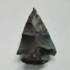 Coleccionismo: PUNTA FECHA DE CHERT . NEOLITICO (3300-2400 A. C.) REPLICA SILEX. Lote 178354035