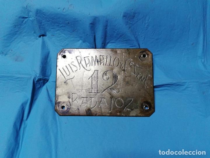 Coleccionismo: ANTIGUA CHAPA DE METAL DE LUIS RAMALLO DE BADAJOZ SEGURAMENTE AÑOS 40 - Foto 6 - 178920130