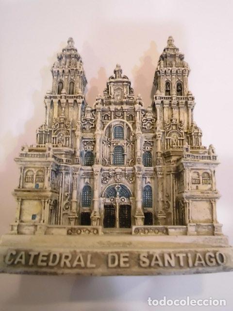 REPLICA EN RESINA - CATEDRAL DE SANTIAGO DE COMPOSTELA - EN CAJA ORIGINAL (Coleccionismo - Varios)