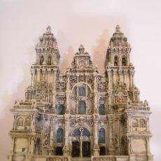 Coleccionismo: REPLICA EN RESINA - CATEDRAL DE SANTIAGO DE COMPOSTELA - EN CAJA ORIGINAL. Lote 179038156