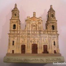 Coleccionismo: REPLICA EN RESINA - CATEDRAL PRIMADA DE COLOMBIA EN BOGOTÁ - EN CAJA ORIGINAL. Lote 179038520
