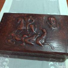 Coleccionismo: ANTIGUA ( CAJA DE PUROS MUSICAL EN MADERA Y CUERO REPUJADO ). MÁS ARTÍCULOS MI PERFIL. Lote 179173926