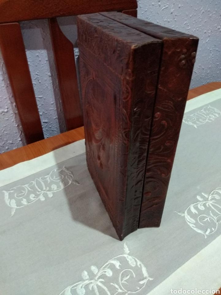 Coleccionismo: ANTIGUA ( CAJA DE PUROS EN MADERA Y CUERO REPUJADO ). MÁS ARTÍCULOS ANTIGUOS MI PERFIL - Foto 12 - 179174473
