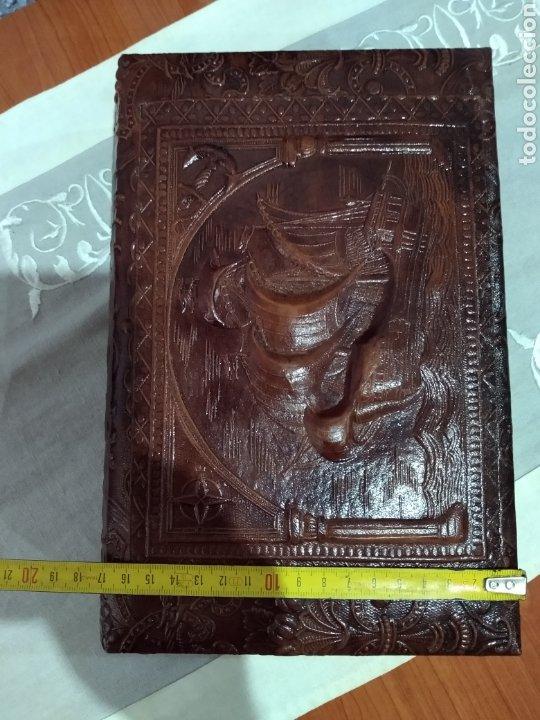 Coleccionismo: ANTIGUA ( CAJA DE PUROS EN MADERA Y CUERO REPUJADO ). MÁS ARTÍCULOS ANTIGUOS MI PERFIL - Foto 17 - 179174473