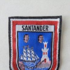 Coleccionismo: ESCUDO PARCHE BORDADO TELA FIELTRO SOUVENIR SANTANDER CANTABRIA. Lote 179556581